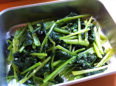 お野菜デリ ~小松菜の塩麹ソテー~ (カフェ)